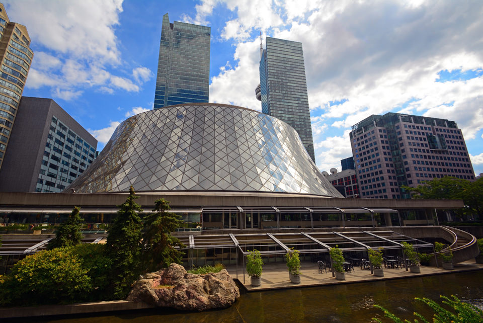 Roy Thomson Hall, a ma...